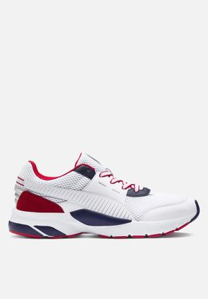 80f44507cf44 Future Runner Premium - Puma White-Peacoat-High Risk Red