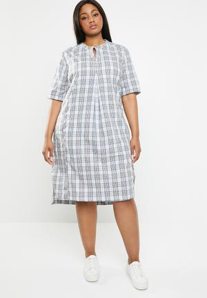 3659dd75d467 Alana plus check tunic - multi