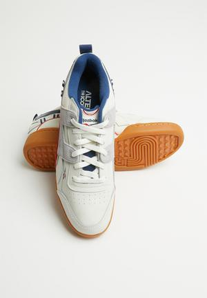 4a2bdbc93b9fc Reebok Classic Sneakers for Men