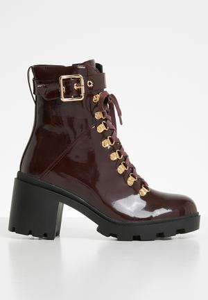 1aad21a717c Faux leather combat boot - burgundy patent