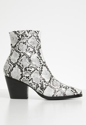 Faux leather ankle boot - mono snake pu