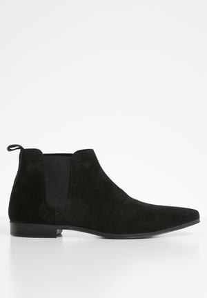 b0c1810ba7 Strauss chelsea boot - black