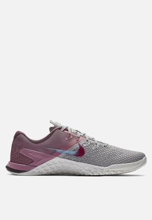 de6971c5bfeb Nike w Metcon 4 xd - atmosphere grey   true berry