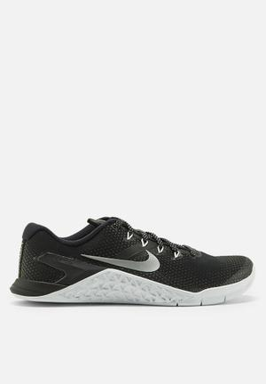 cd4930061396 Nike w Metcon 4 - black   metallic silver