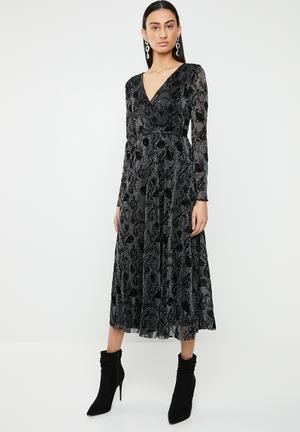 1f4f91400e797 Tayla long sleeve lace maxi dress - black