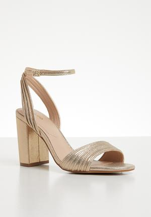 26654f4735b Metallic ankle strap heel - gold