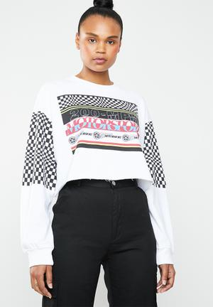 8b8861cca5af30 By Missguided R329. Add to wishlist. Motorsport crop sweat - white
