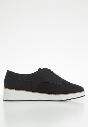 65e5a94fd95 Mclinn lace-up flatform oxford sneaker - black