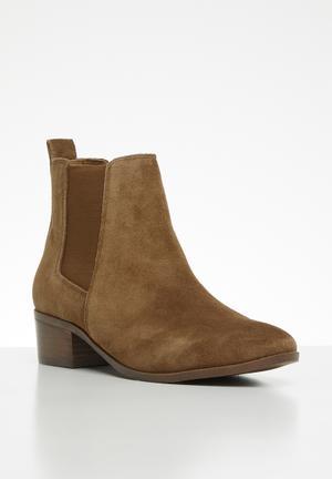 749937bac89e Steve Madden Shoes for Women