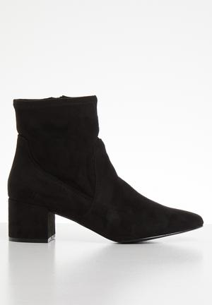 Lothelimma boot - black