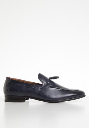 2ef3ab6619a Slip-Ons and Loafers Online