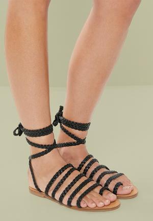 Gypsy sandals - black