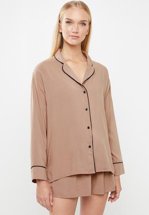 Sleep shirt & shorts set - neutral