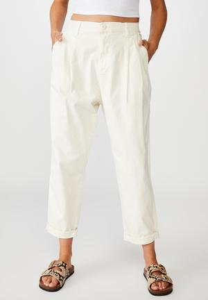 Hunter pleated pant - neutral