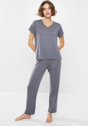 Ladies jersey rib vest top and three quarter length pyjama pants nightwear