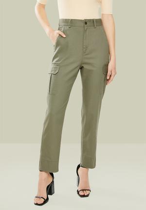 Straight leg cargo pants - green