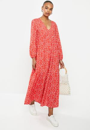 V-neck tiered maxi dress - red
