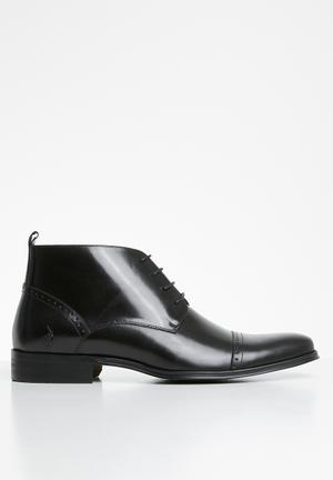 Lace up toe cap formal boot - black