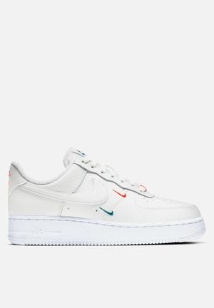 Air Force 1 '07 ESS - summit white-solar red