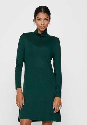 Giala turtleneck dress - green