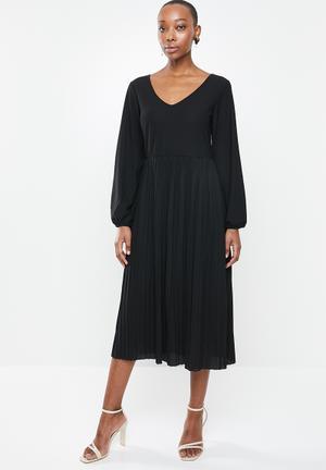 Formal Dresses for Women - Shop Formal & Party Dresses Online