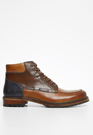 Dean leather chukka boot - brown & navy