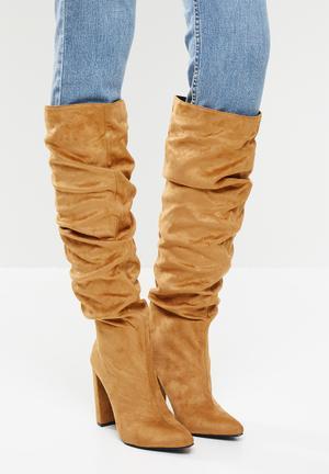 Vanda slouchy knee boot - camel