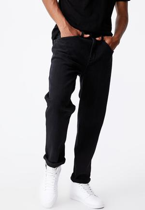 Relaxed fit jean - black wash