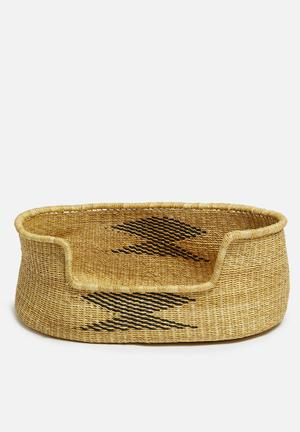 Woven pet basket- black & natural