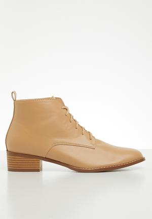 Nandie lace-up boot - neutral