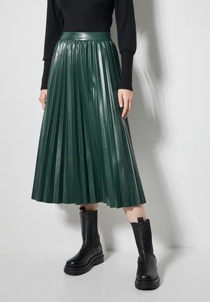 Pu pleated skirt - bottle green