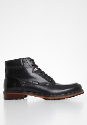 Dean leather chukka boot - black