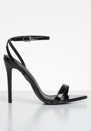 Pointed toe barely there patent - black