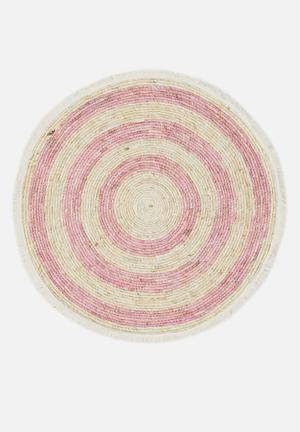 Round corn leaf rug - pink