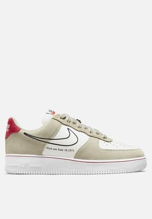 """Air Force 1 '07 LV8 """"First Use"""""""