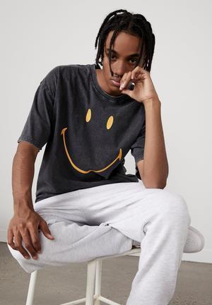 Oversized smiley T-shirt - black