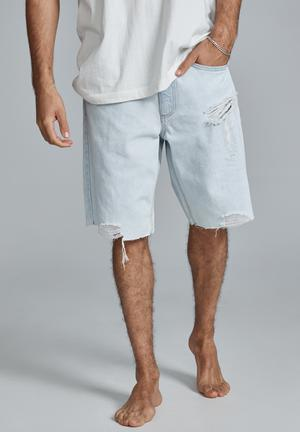 Loose fit short - light blue