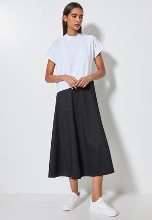 Grown on sleeve single jersey & poplin combo dress - white & black