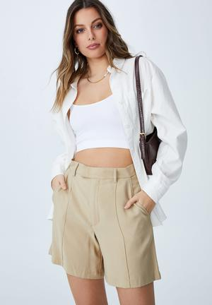 Darcy tailored short - linen taupe