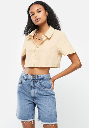 Cropped shirt short sleeve co-ord linen look - sand