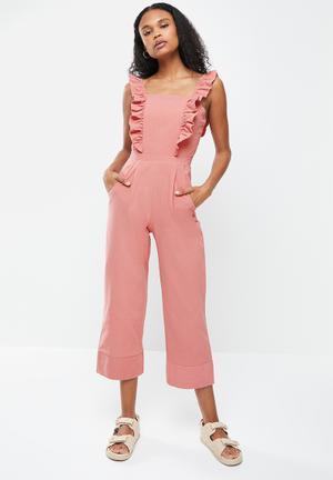Sleeveless frill culotte jumpsuit - pink