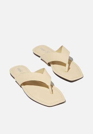 Everyday molly toe post sandal - butter pu