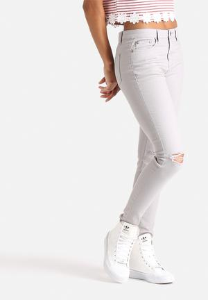 Ripped Knee Jean