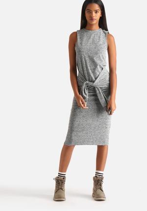 Noisy May Polly Tie Front Midi Dress Casual Grey