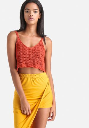 Influence. Sleeveless Knitted Cropped Top T-Shirts, Vests & Camis Rust