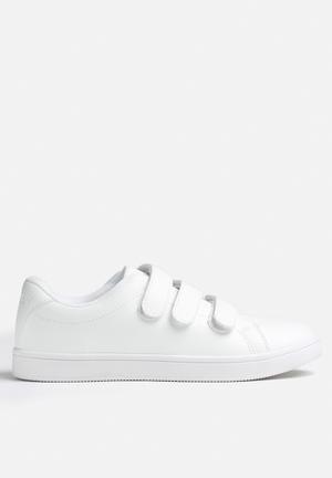 Sally Sneaker