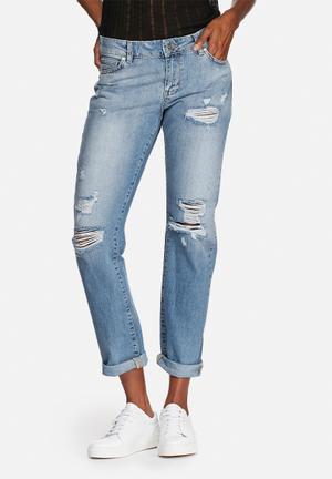 Scarlet Regular Jeans