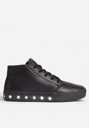 My Pop Shoes Chukka Pop Sneakers Black