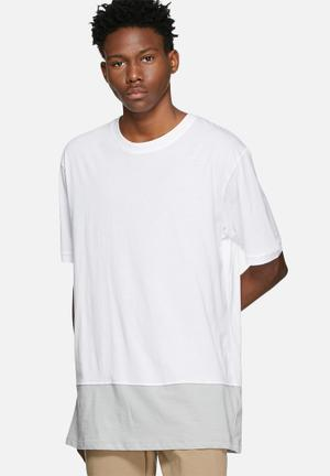 ADPT. Eston Oversize Tee T-Shirts & Vests White / Grey