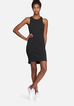 ADPT. Juke Dress Casual Black